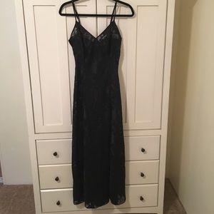 SzM VS chemise gown